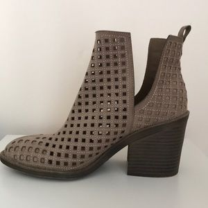 Rampage Cut Out Ankle Booties
